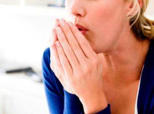 Чем снять першение в горле? Лучшие методы устранения симптома