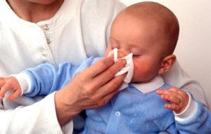 Как понять, что у новорожденного насморк главные признаки инфекционного и аллергического насморка