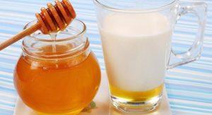 Молоко с медом и маслом лучшее народное средство от кашля