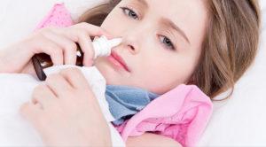 Как избавиться от насморка у ребенка: спреи, капли и народные методы