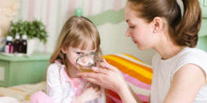 Советы родителям: как вылечить кашель у ребенка народными средствами