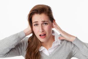 Стук в ушах: основные причины симптома