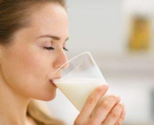 Можно ли пить молоко при ангине и основные причины развития заболевания