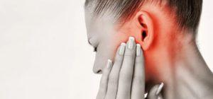 При каких заболеваниях давит на уши изнутри симптомы, причины, лечение